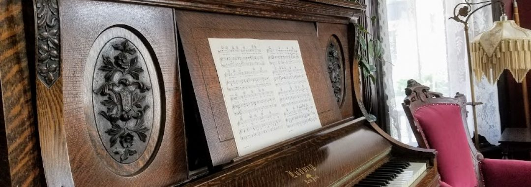 Parlor-piano-Buffalo-Harmony-House-o5ghgauhty0xkjbywvhe1s27zrdin0ok5eyh0qkk48