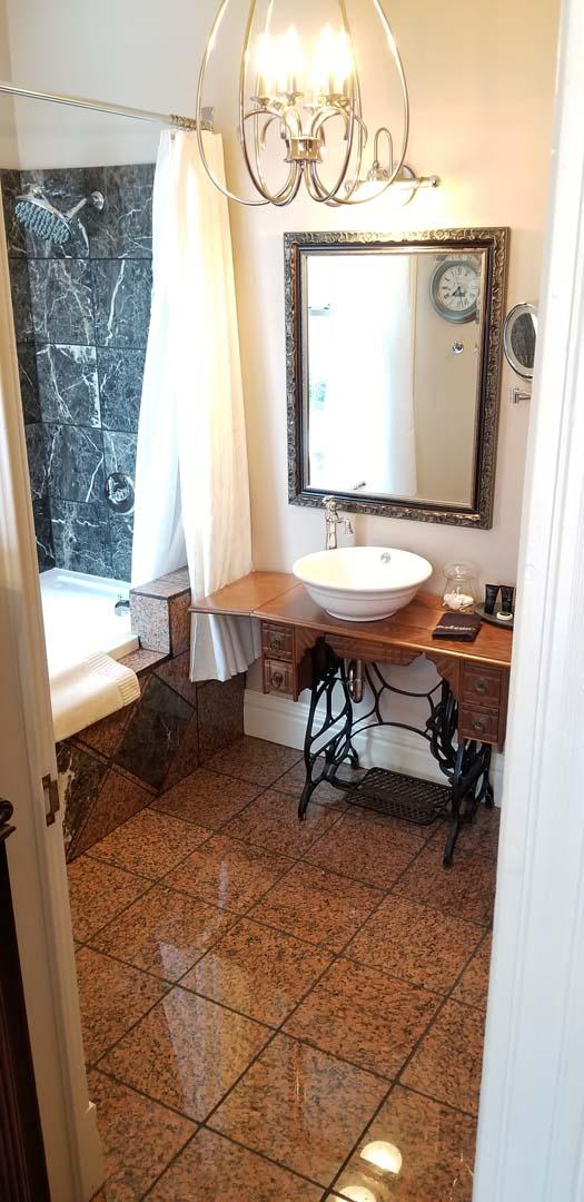 Sparrow Suite bath Buffalo Harmony House