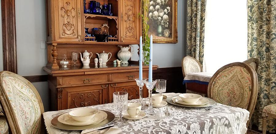 Buffalo Harmony House dining room